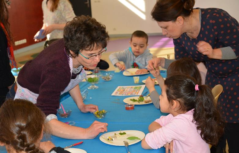 Atelier culinaire Expérigoût au Grand RDV de la science à Ivry 2015